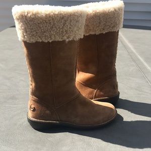 Ugg suede boots new with out box